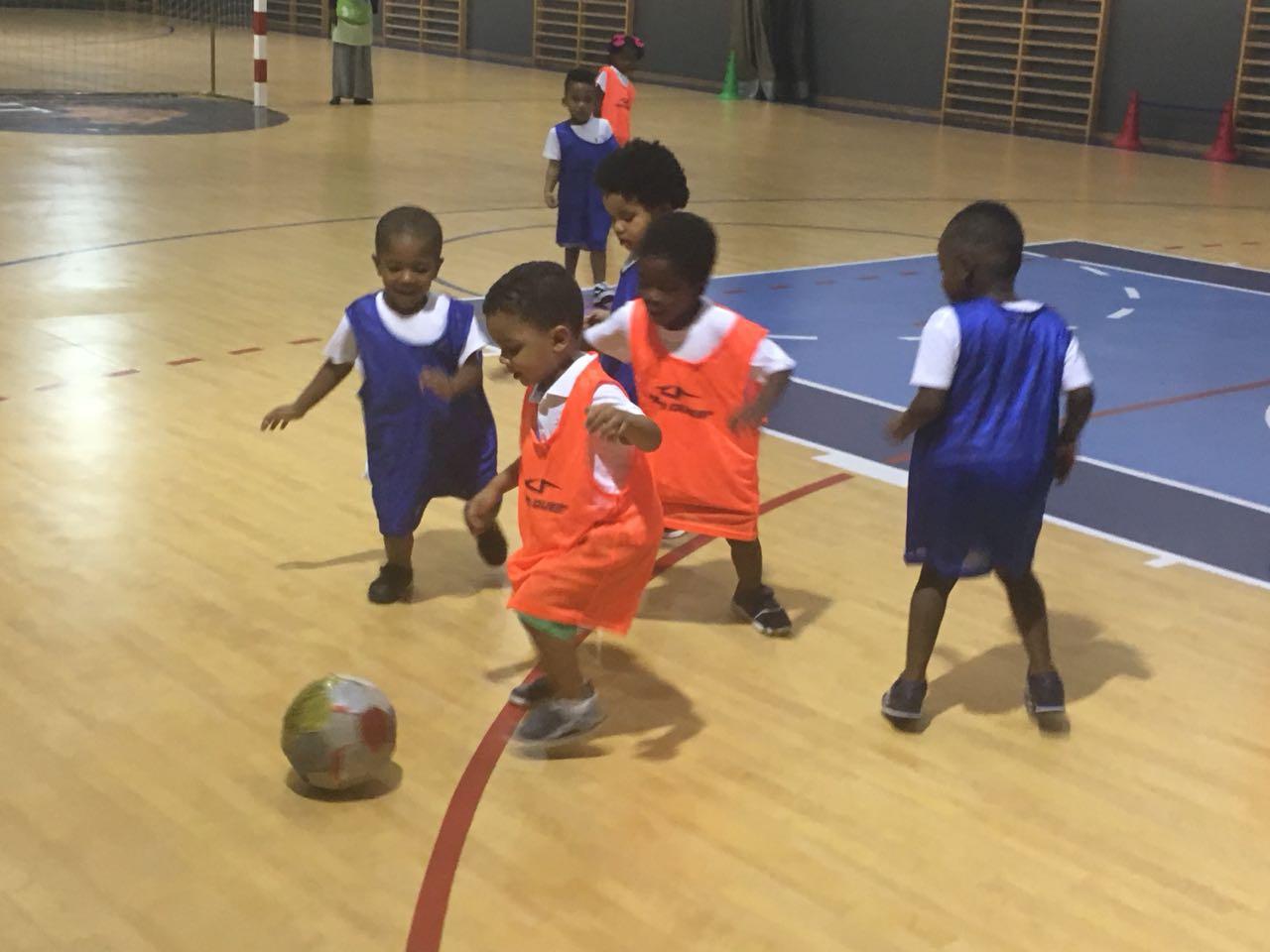 Jogo de Futebol Sub 9 entre equipa AECs do CAT vs Escola de Futebol Benfica CAJU 🗓 🗺