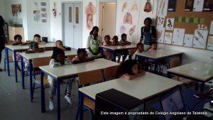 Sessão de lavagem das mãos com os alunos do Pré-escolar