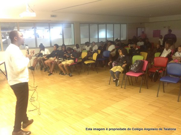 Palestra com Reis Jamba sobre os perigos da Internet e das redes sociais